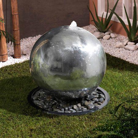 Fuente bola de acero