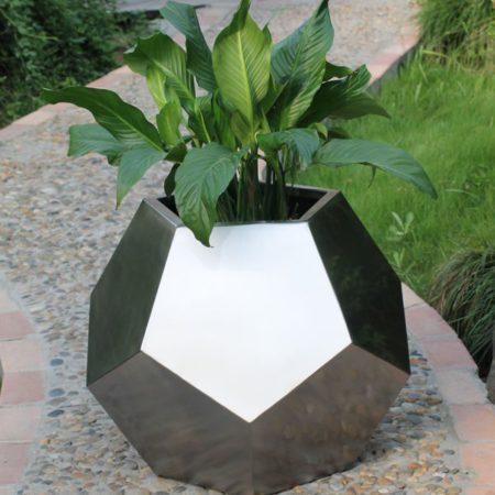 maceta de acero pentagono