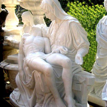 Estatua de jardín la piedad